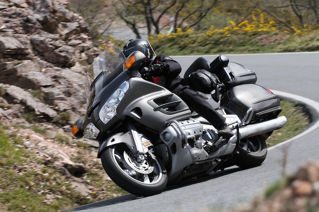 BMW K1600GTL vs HONDA Gold Wing_ 6_2011-04-02_3312