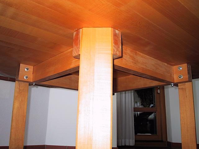 Design 22 - 8-Ecktisch_ 4_2001-04-13_2659