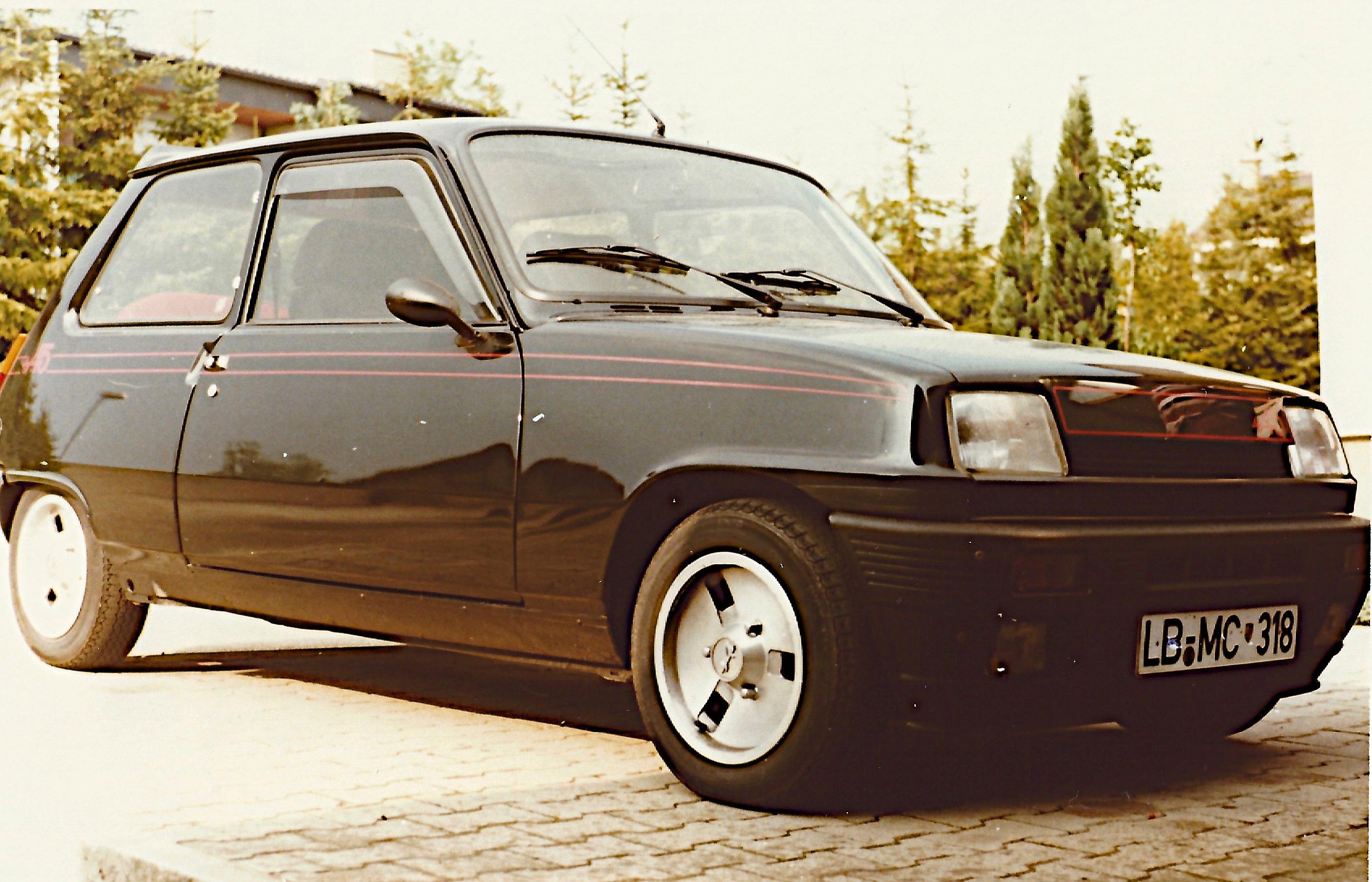 auto9 renault alpine a5 1982 cede. Black Bedroom Furniture Sets. Home Design Ideas